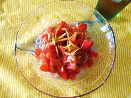 トマトソースそば
