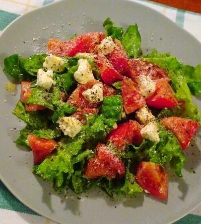 トマトとクリームチーズのデリ風サラダ